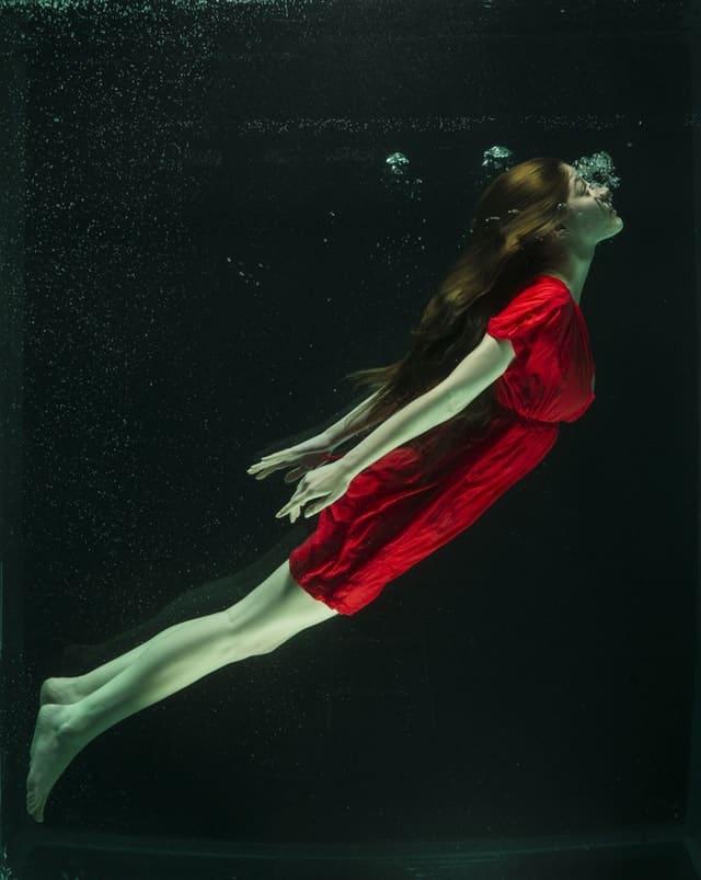 женщина стихии вода